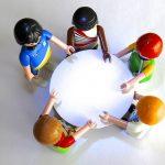 小学生、授業の合間に楽しめる!少しの時間でクラスが盛り上がるゲームを紹介します!