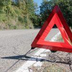 道路で突然車が止まったら!危険を流れる為に覚えておきたいしなくちゃいけないことを紹介します!