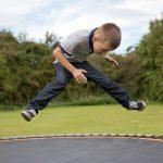 小学生、「長縄の八の字」の連続跳びはどうしたら回数を伸ばせるの?練習方法を段階別に紹介します!